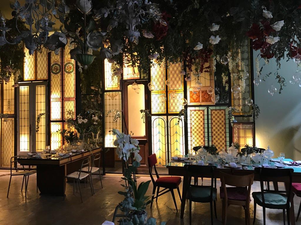 Redesign idee d 39 arredamento per un ristorante alternativo for Arredamento alternativo