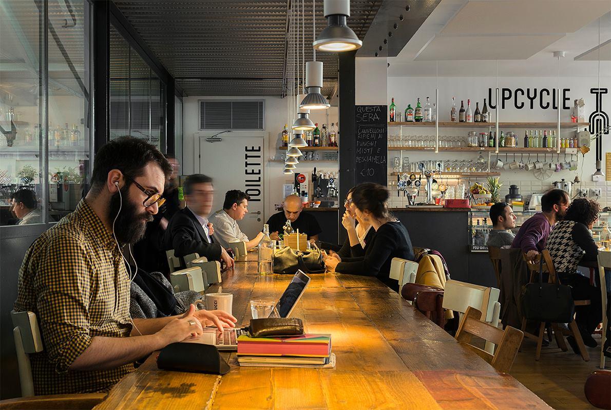 Bar Arredati Con Pallet redesign | bike bar: idee originali, due ruote e fantasia